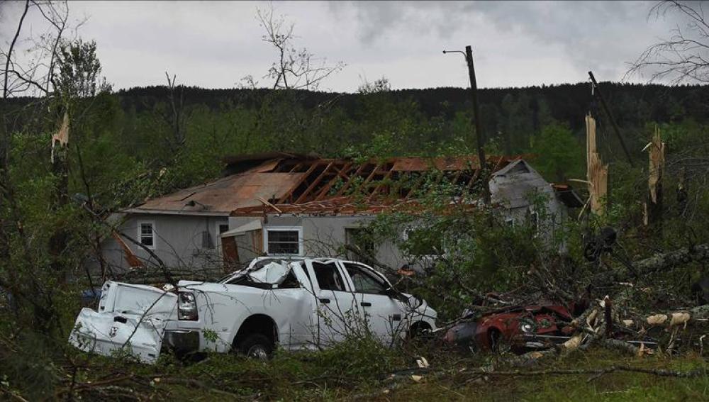 Estado de una vivienda en Columbia tras el tornado.