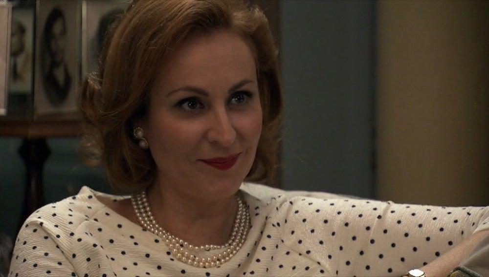 Juana reconoce que se acerca a Cristina por interés