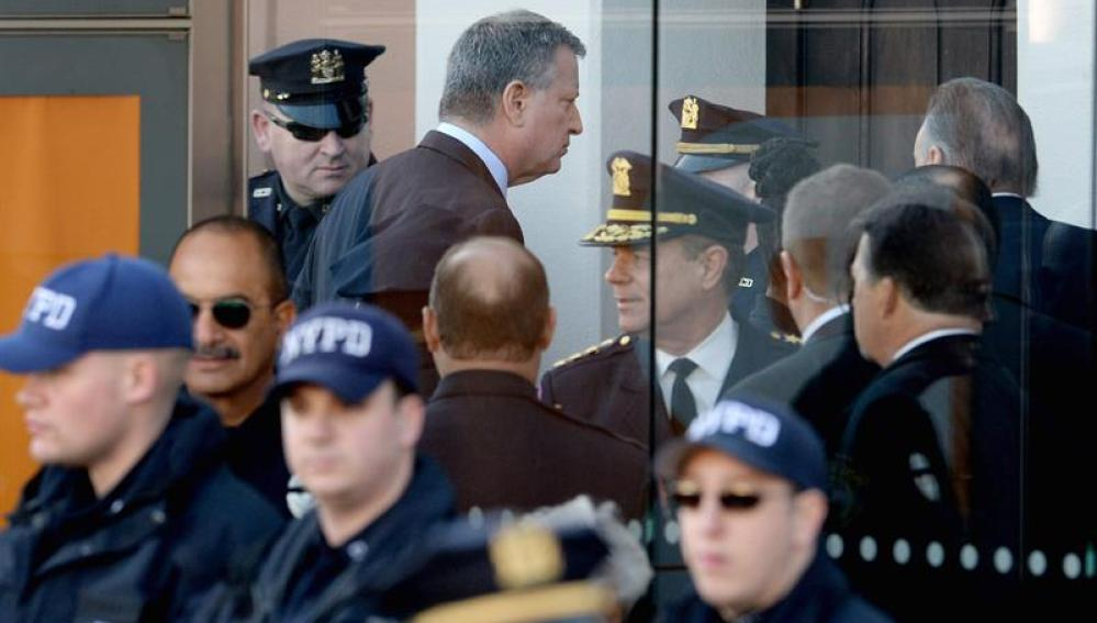 De Blasio, alcalde de Nueva York a su entrada a la iglesia