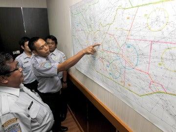 Búsqueda del avión de AirAsia desaparecido