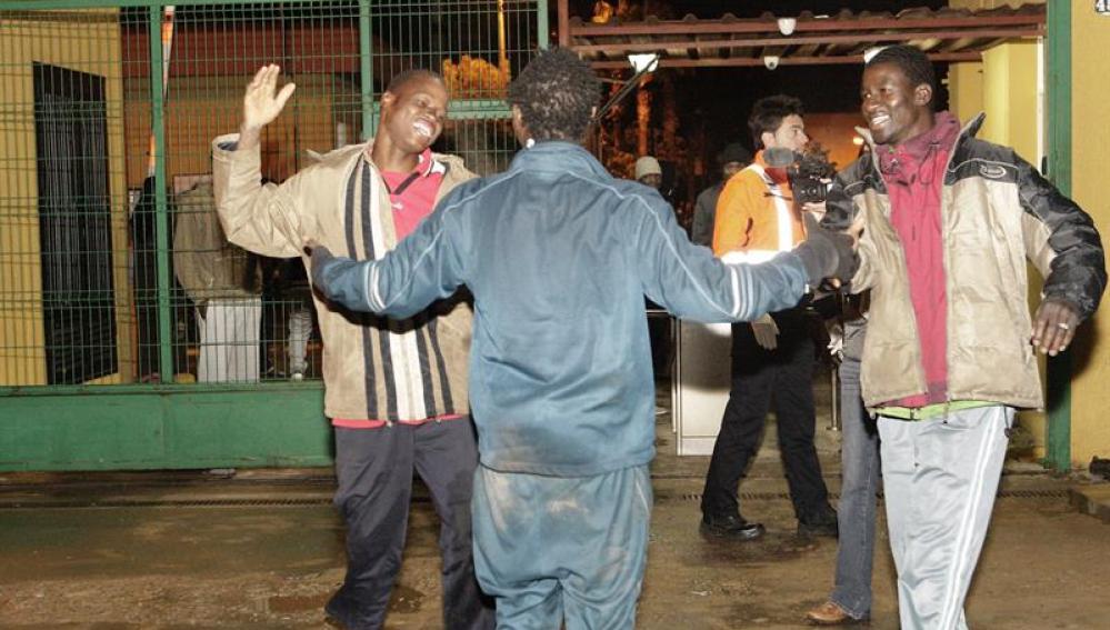 Inmigrantes llegan a Melilla