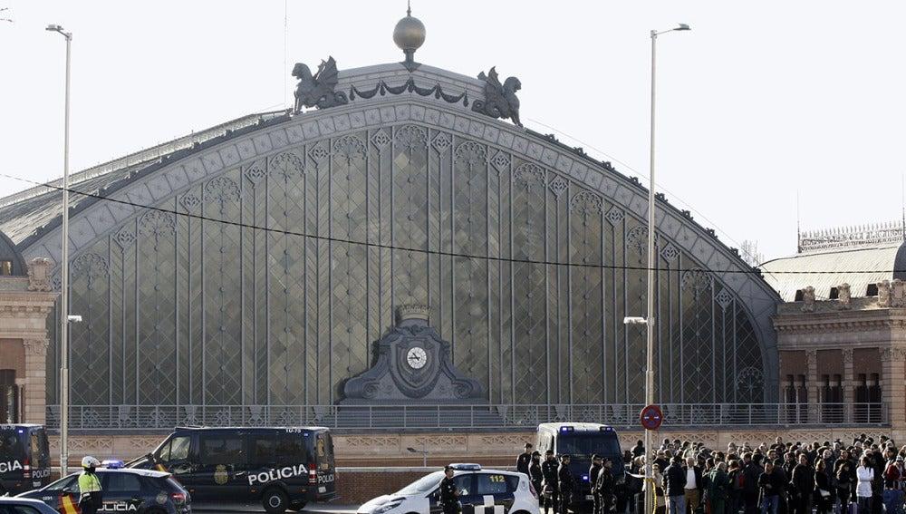 Desalojan la estación de Atocha por un aviso de bomba