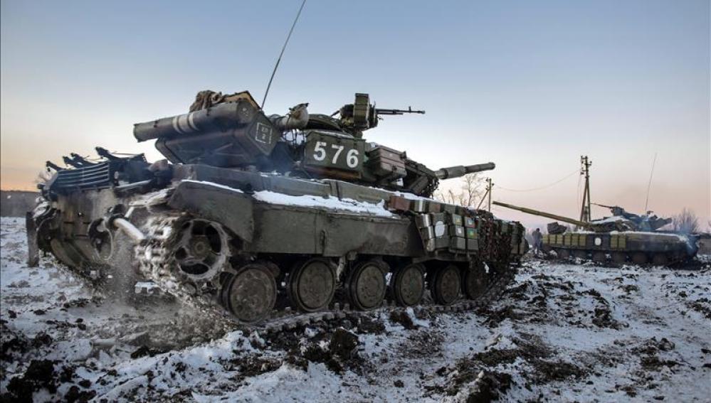 Tanque ucraniano en Peski, zona de Donestk.