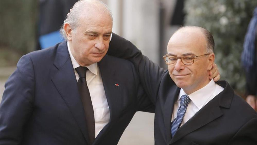 Fernández Díaz y Bernard Cazeneuve