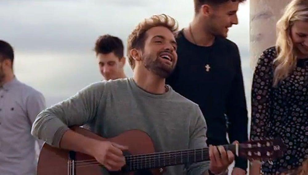 El cantante Pablo Alboran, en su videoclip 'Pasos De Cero'