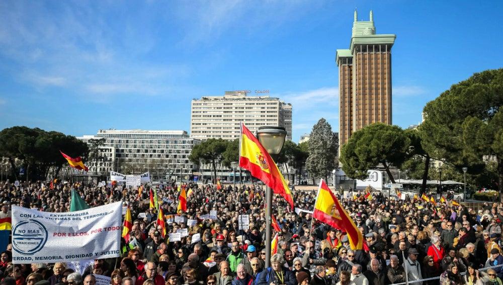 Manifestación de la AVT en Colón