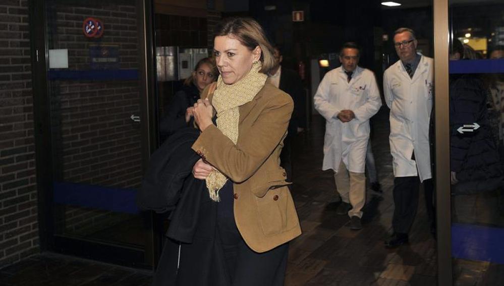 Cospedal, a su salida del Hospital General de Albacete