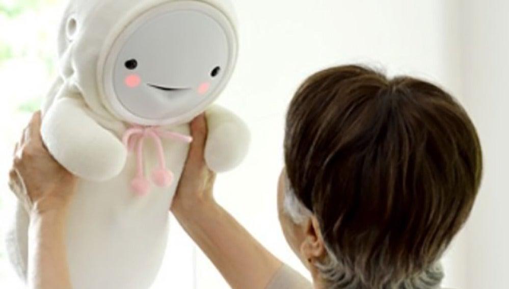 Smiby, el bebé robot que causa furor en Japón.