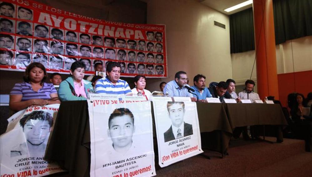 Los padres de os 43 estudiantes desaparecidos en Igualada.