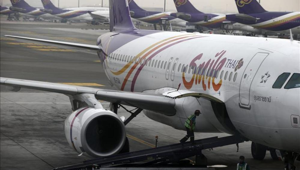 Vista de un avión de la compañía Thai Airways.