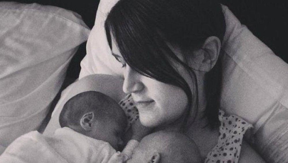 Una mujer sin órganos reproductores da a luz a gemelas