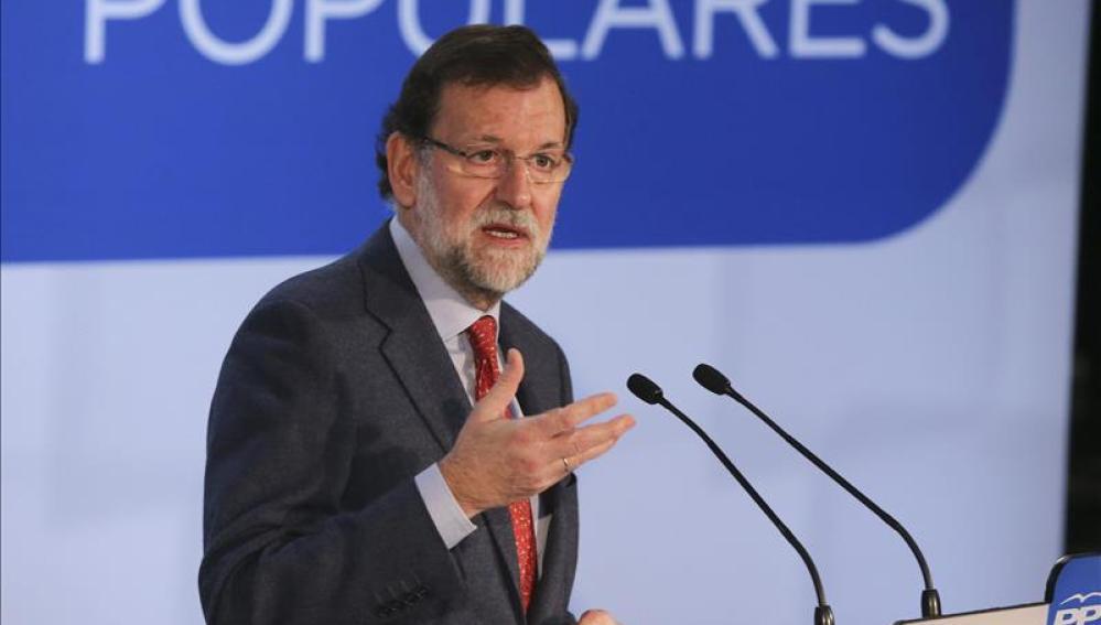 Rajoy acusa a Mas de anteponer los intereses de partido a los intereses de los catalanes