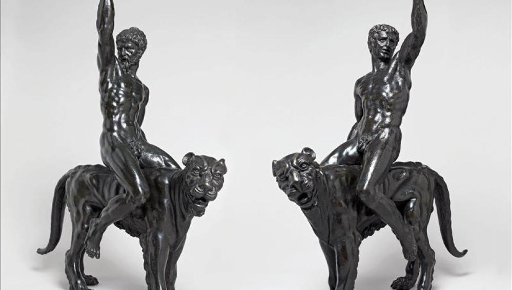 Dos esculturas de bronce