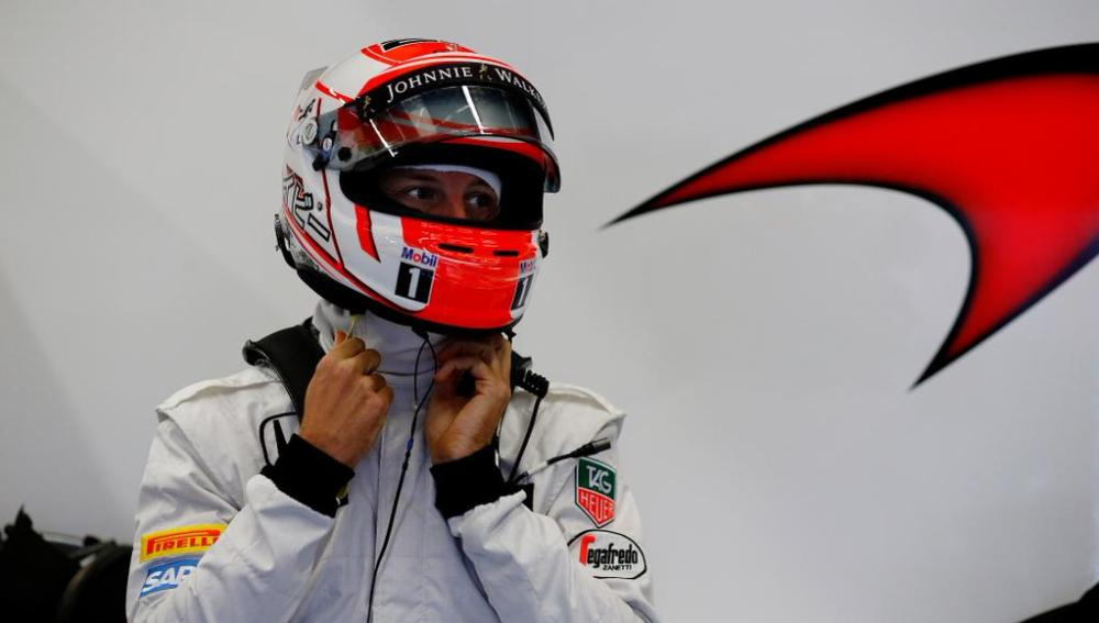 Button en el box de McLaren