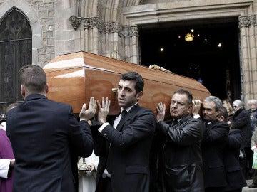 Salida del féretro de José Manuel Lara Bosch de la Basílica de la Concepció