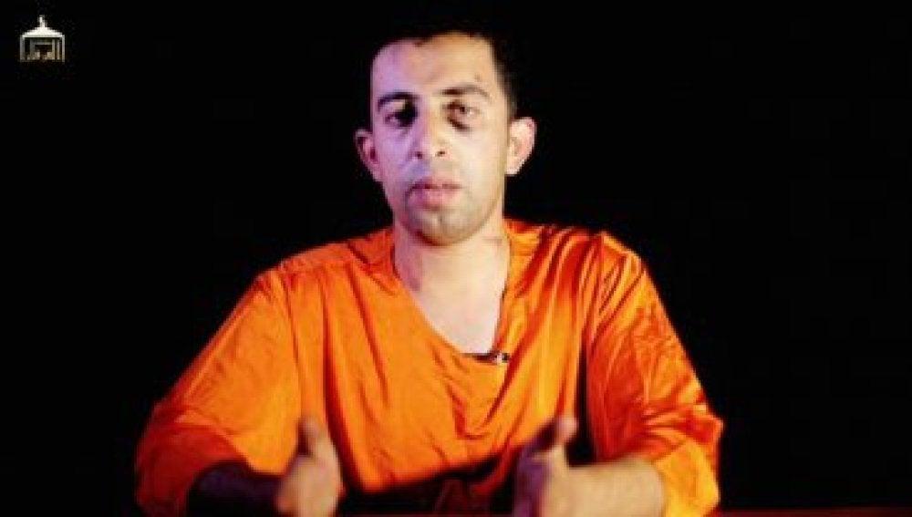 Imagen del piloto jordano Muad Kasaesbe secuestrado por Estado Islámico.