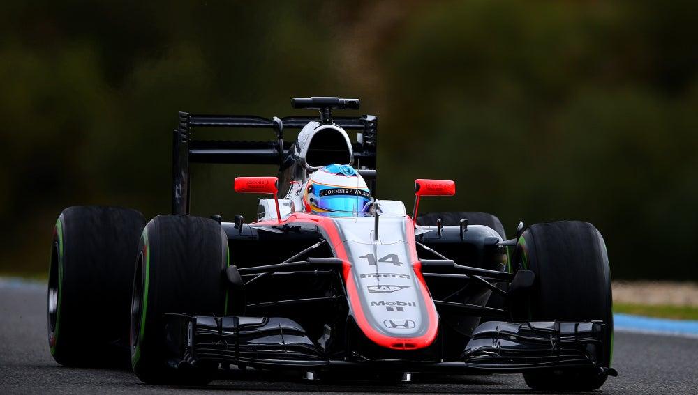 Fernando Alonso a bordo del McLaren en Jerez