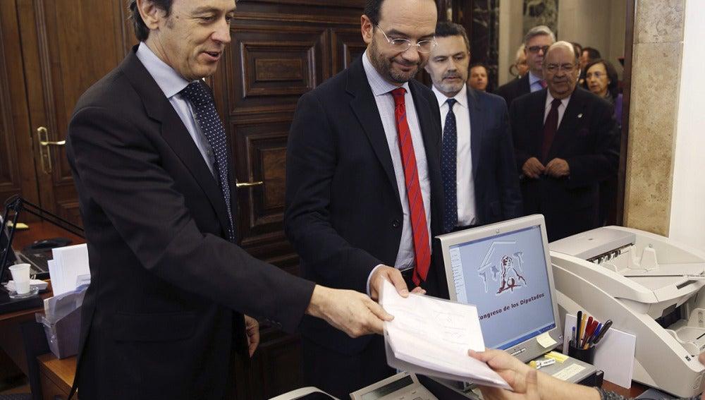 PP y PSOE registran su pacto en el Congreso