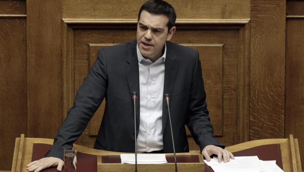 Tsipras anuncia un programa inmediato de ayuda humanitaria y recontratación