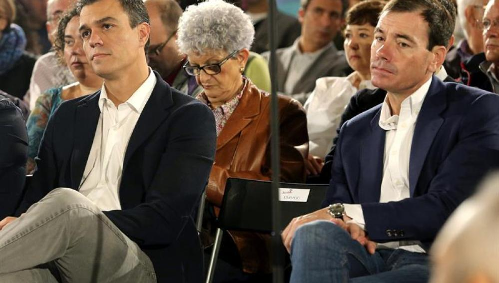 Pedro Sánchez junto a Tomás Gómez