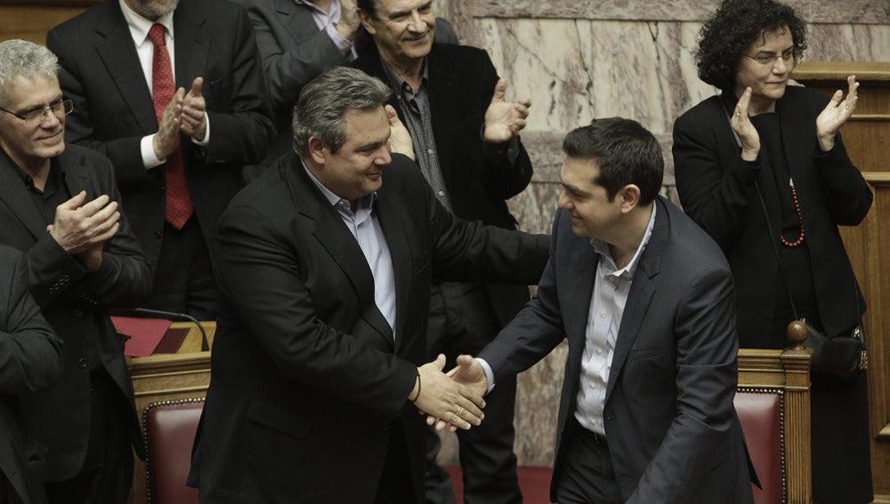 Panos Kammenos felicita a Alexis Tsipras
