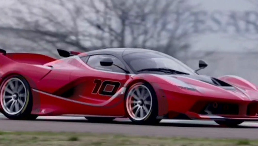 Vettel conduce un Ferrari... superdeportivo