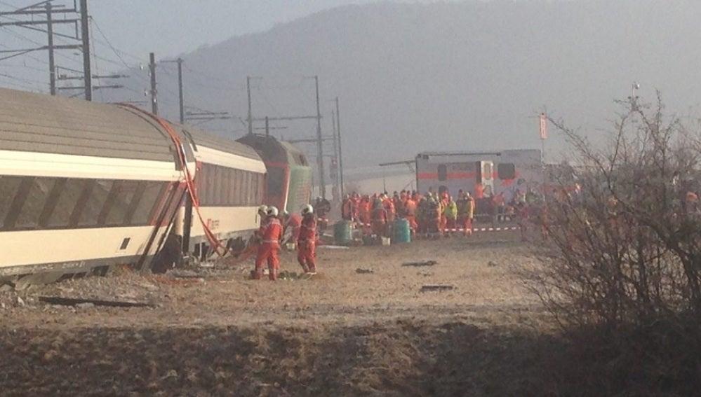 Choque de trenes deja al menos 49 heridos en Zúrich
