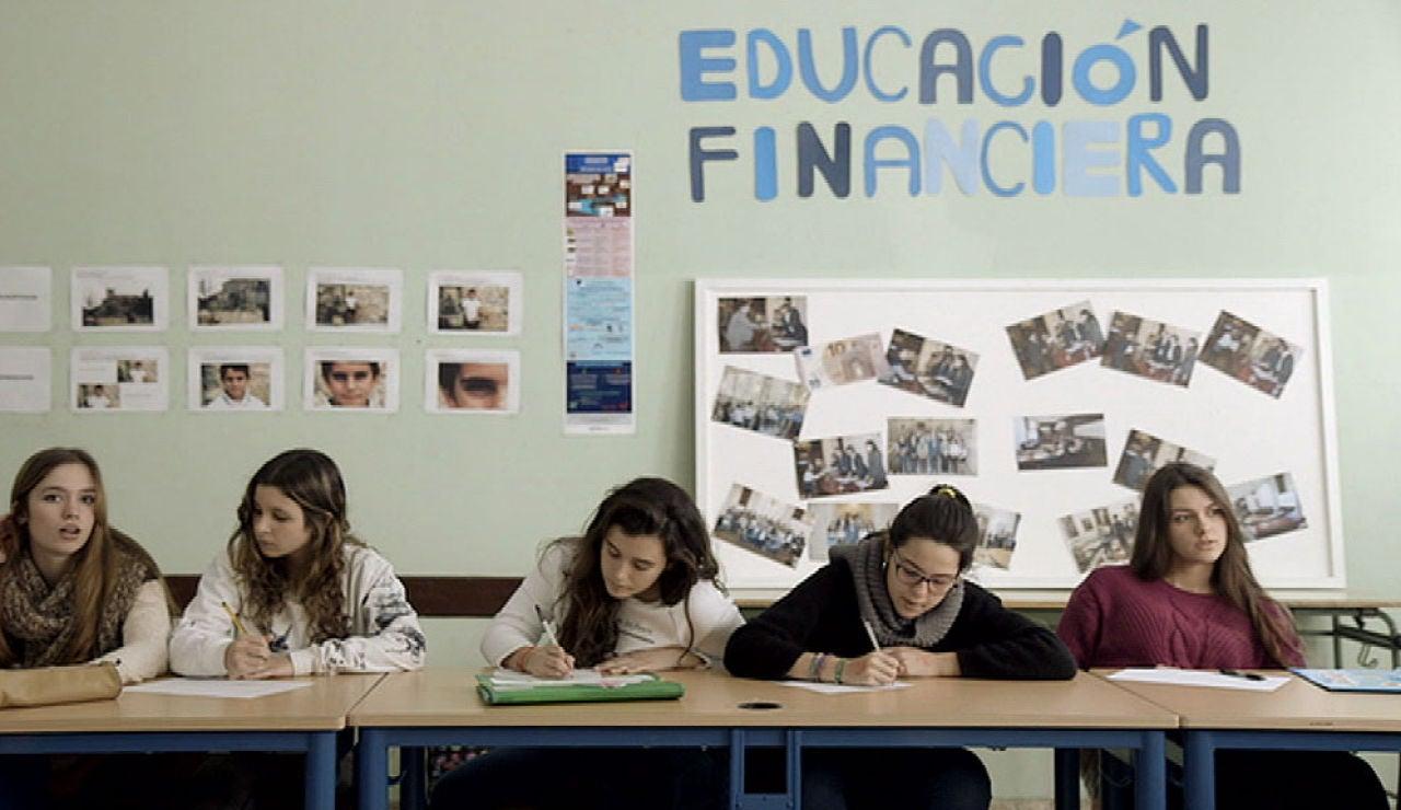 Informe Pisa: España obtiene sus peores resultados en ciencias y baja en matemáticas