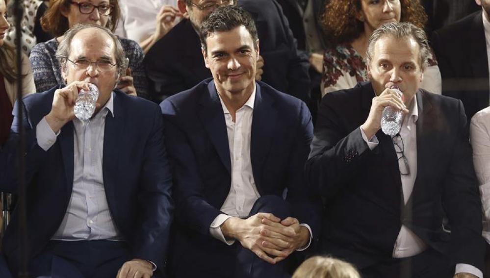 Ángel Gabilondo, Pedro Sánchez y Antonio Miguel Carmona