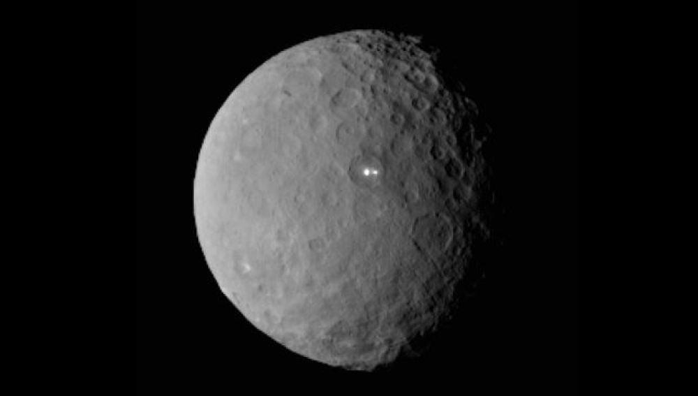 Dos puntos brillantes en Ceres