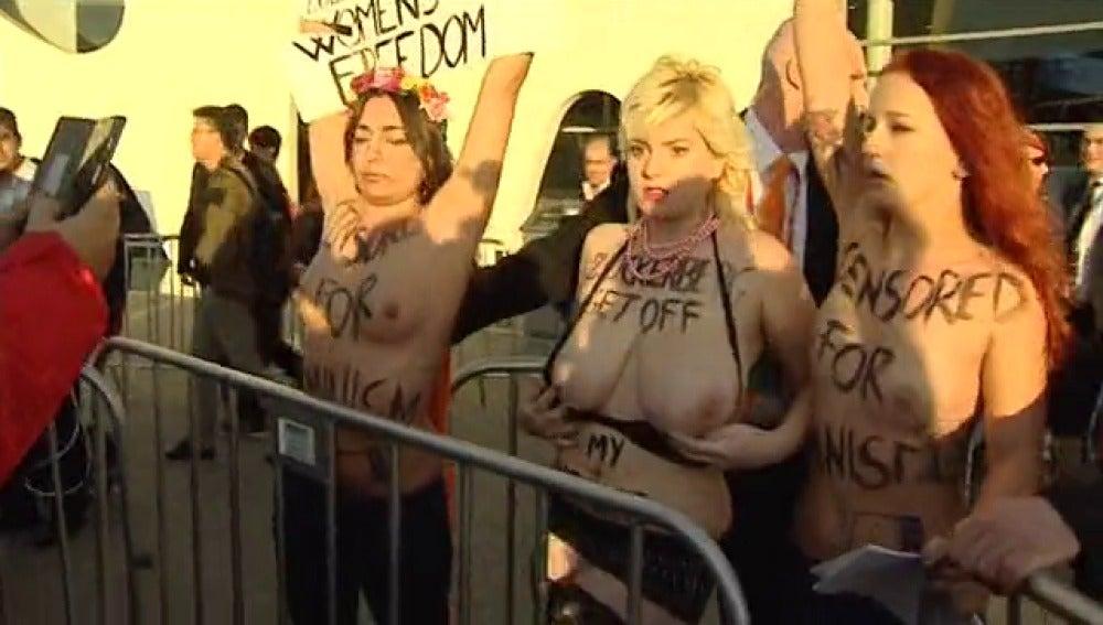 Femen protesta contra el dueño de Facebook