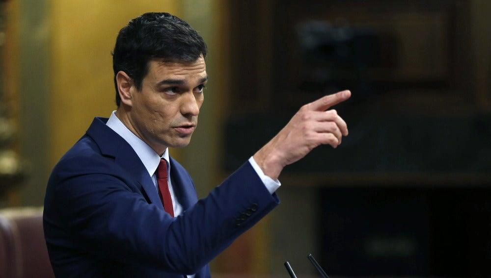 """Sánchez acusa al PP de """"poner en marcha el ventilador para tapar sus vergüenzas"""""""
