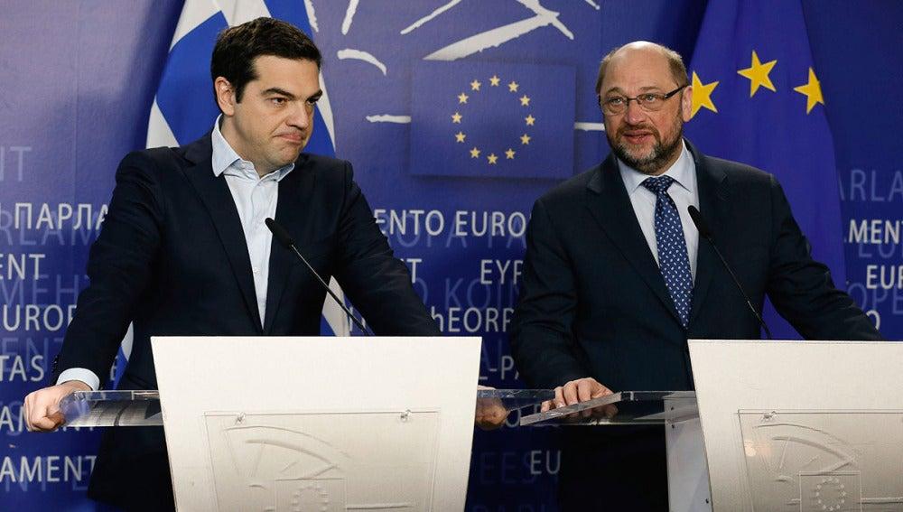 Alexis Tsipras junto al presidente del Parlamento Europeo, Martin Schulz