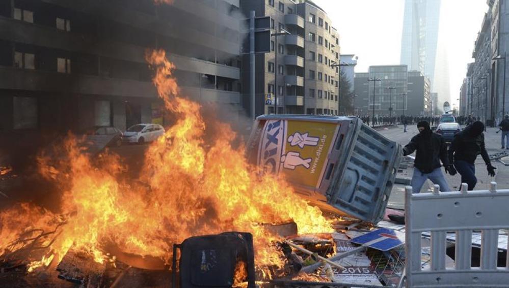Protestas en Alemania junto a la sede del BCE