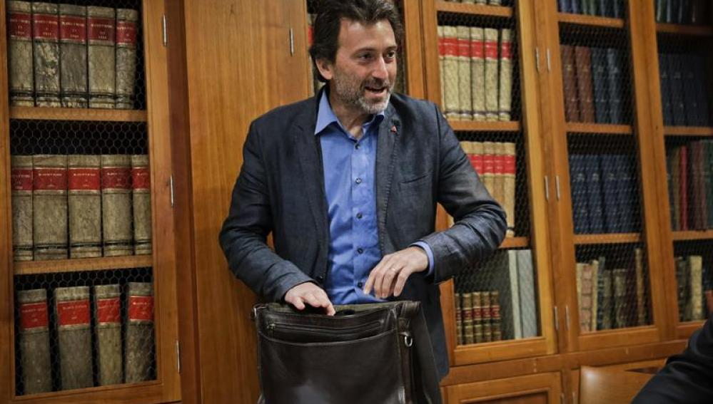 Mauricio Valiente deja IU