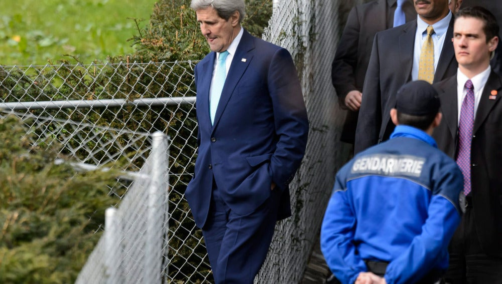 El secretario de Estado de EEUU, John Kerry, durante un descanso en las negociaciones nucleares