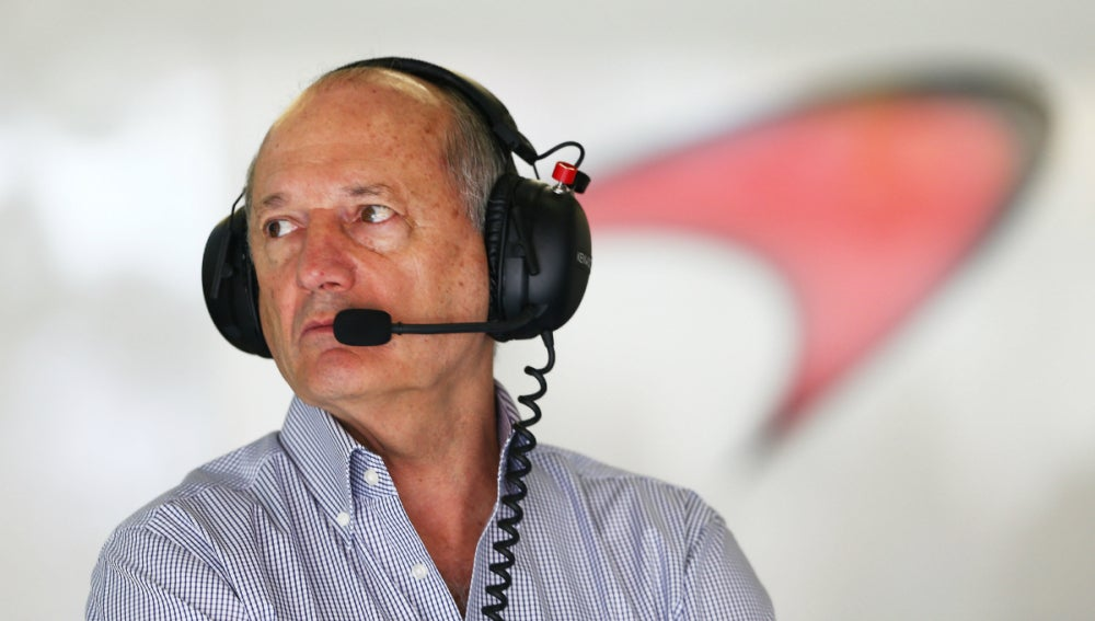 Ron Dennis, en el box del McLaren-Honda