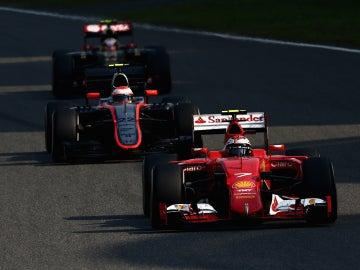 Button, doblado por Ferrari