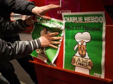 """'Charlie Hebdo': """"No queremos ser más un símbolo"""""""