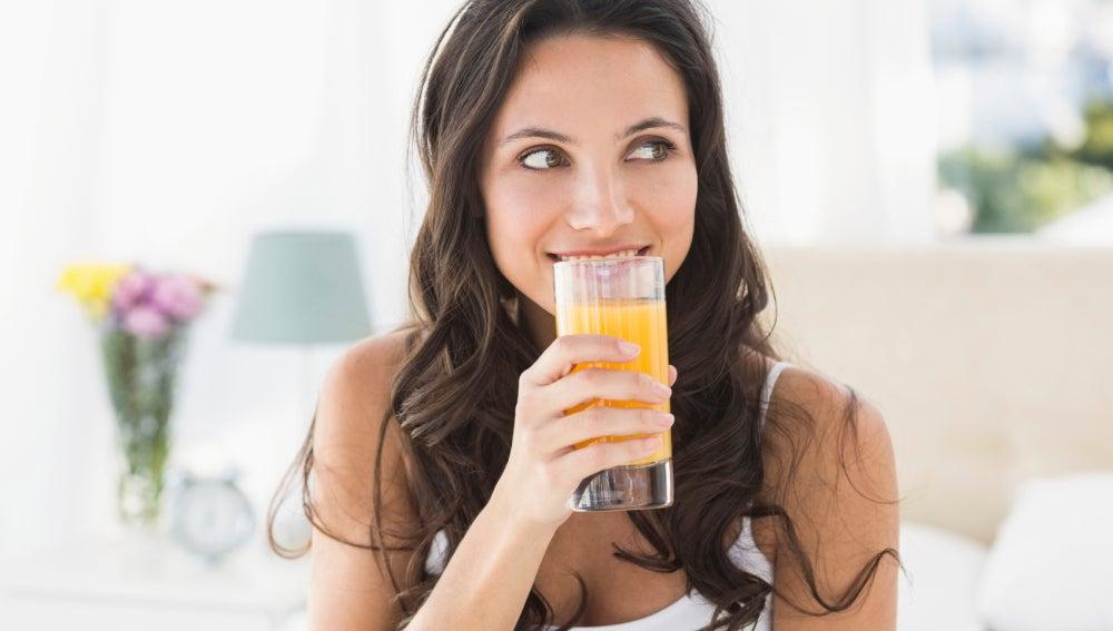 Una buena dieta también es importante para ponerse morena