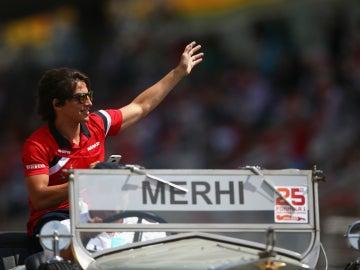 Roberto Merhi, en el 'drivers parade'