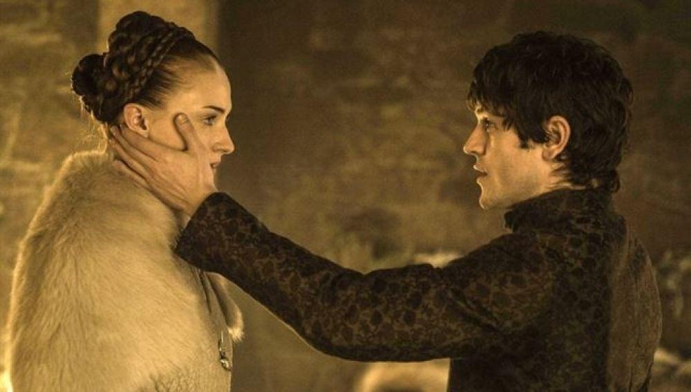 Sansa y Ramsay Bolton en Juego de Tronos