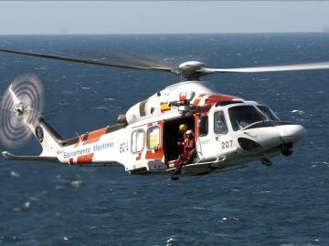 Un helicóptero de Salvamento Marítimo