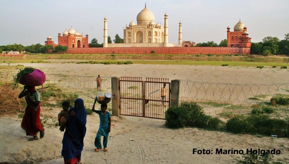 El Taj Mahal, desde la orilla opuesta del río Yamuna. Foto: Marino Holgado