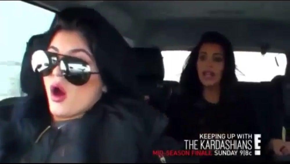 Accidente de coche de las hermanas Kardashian