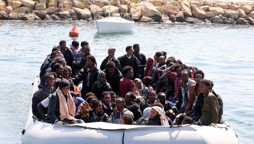 Rescatados más de 2.000 inmigrantes en aguas del Mediterráneo