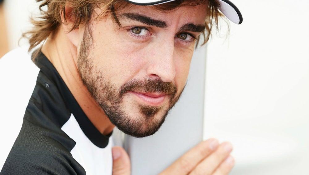 Alonso, en su box
