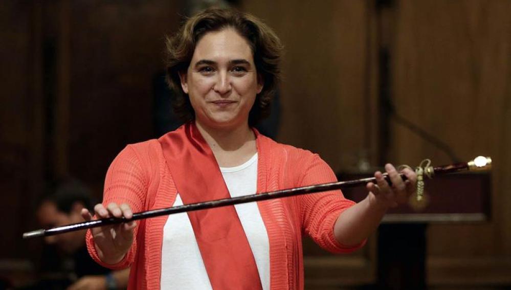 Ada Colau, proclamada primera alcaldesa de Barcelona