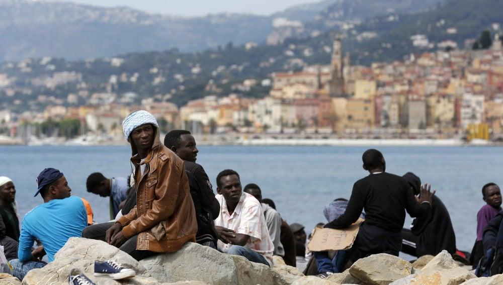 Italia improvisa campos de refugiados ante el cierre de fronteras europeas