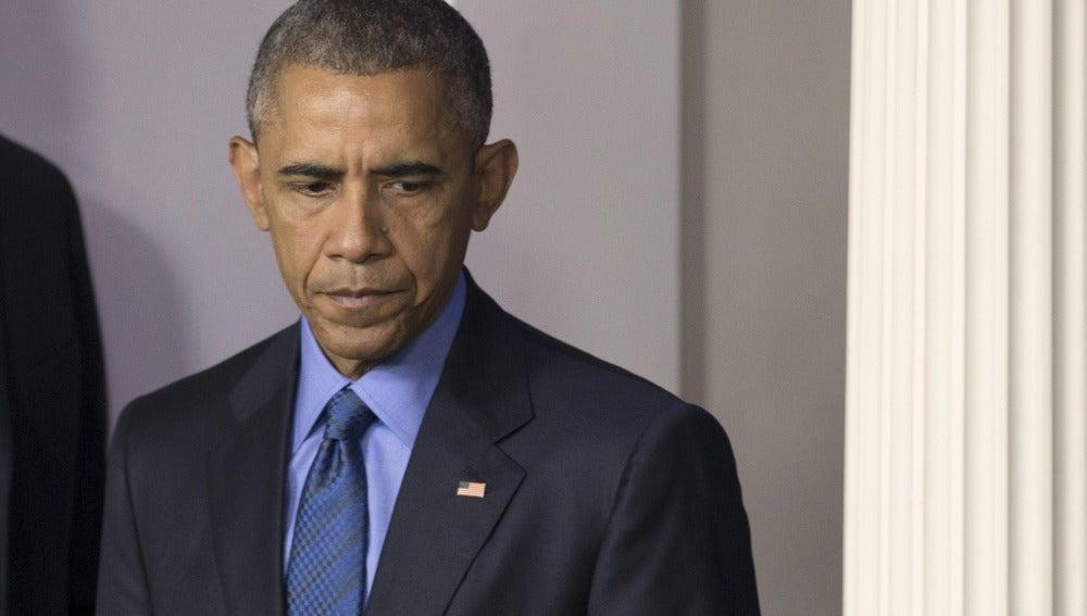 """Obama: """"Es necesario un cambio de actitud en EEUU para que sea posible controlar las armas"""""""